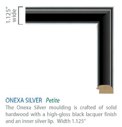 Onexa Silver Moulding - black high-gloss finish with sleek silver accents