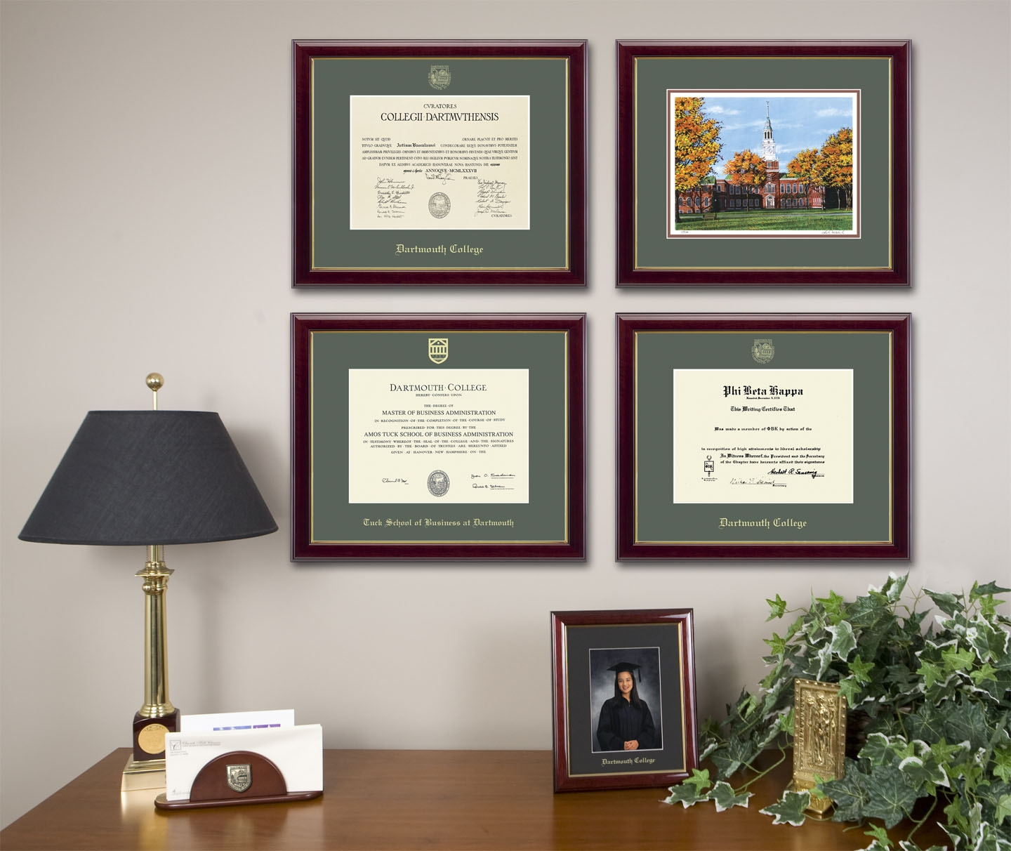 Level lock picture frame hanging system church hill classics for Wall of framed pictures