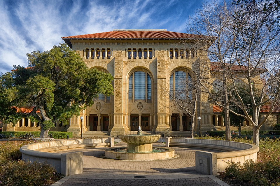 Stanford-university-building-california-palo-alto